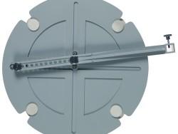 Elliptical compass with alternating diameter.