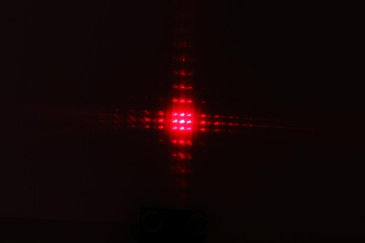 F22藉由雷射測定普朗克常數-特寫1