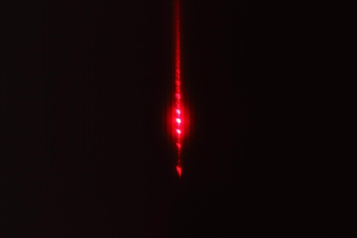 F22藉由雷射測定普朗克常數-特寫2